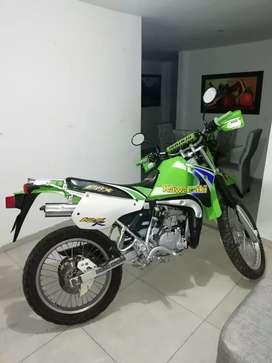 Kmx 125 como nueva