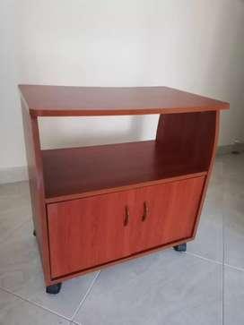 Mesa para TV con cajonera