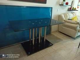 Mesa de comedor en vidrio