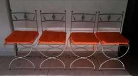 Vendo 4 sillas de Hierro