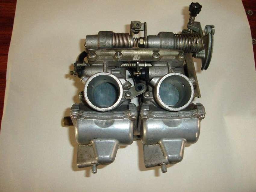 Carburador doble para moto de dos cilindros 0