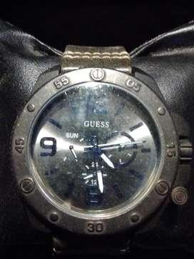 Reloj Guess hombre usado