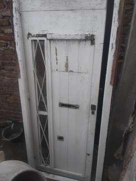 Puerta de frente madera antigua ideal restaurar