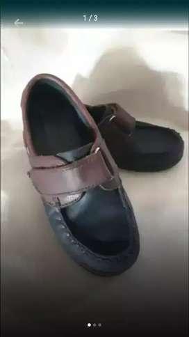 Vendo zapato de nene num 29 marca kraim