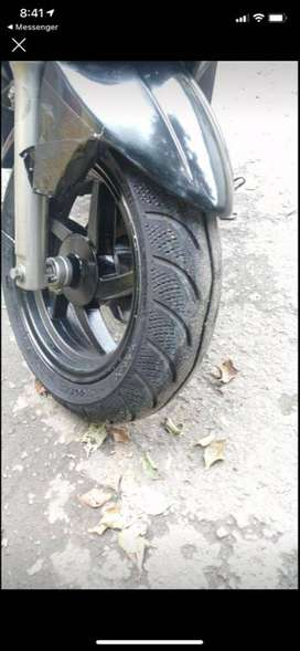 Se vende moto akt Dynamic 2011 por motivo de viaje papeles al día hasta noviembre