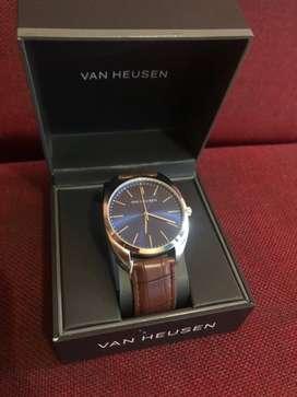 Reloj Van Heusen ( negociable )