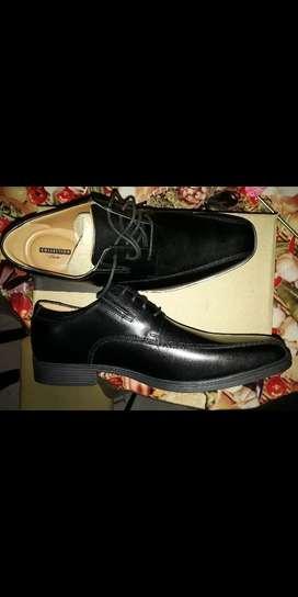 Liquido Zapatos de Vestir Clarks 42 Y 44