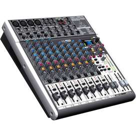 Consola 16 Canales Xenyx  – Behringer