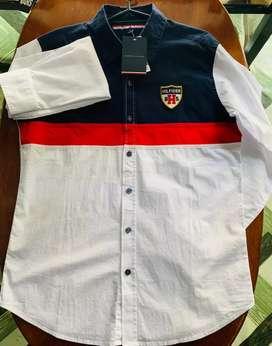 Camisa marca Tommy Hilfiger talla S hombre americana