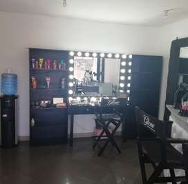 Mueble vanity para maquillaje