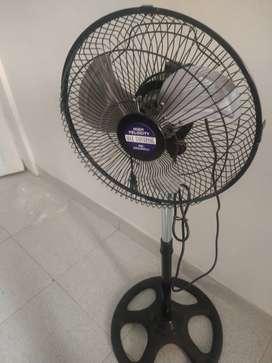 Vendo ventilador poco uso , casi nuevo
