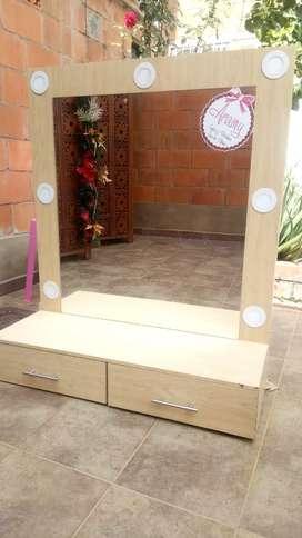 Muebles y sillas para salón de belleza