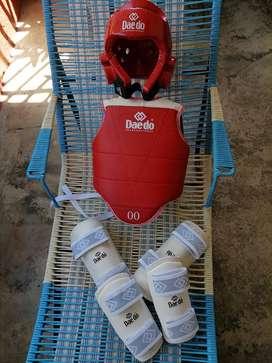 Dobok e implementación Taekwondo Infantil