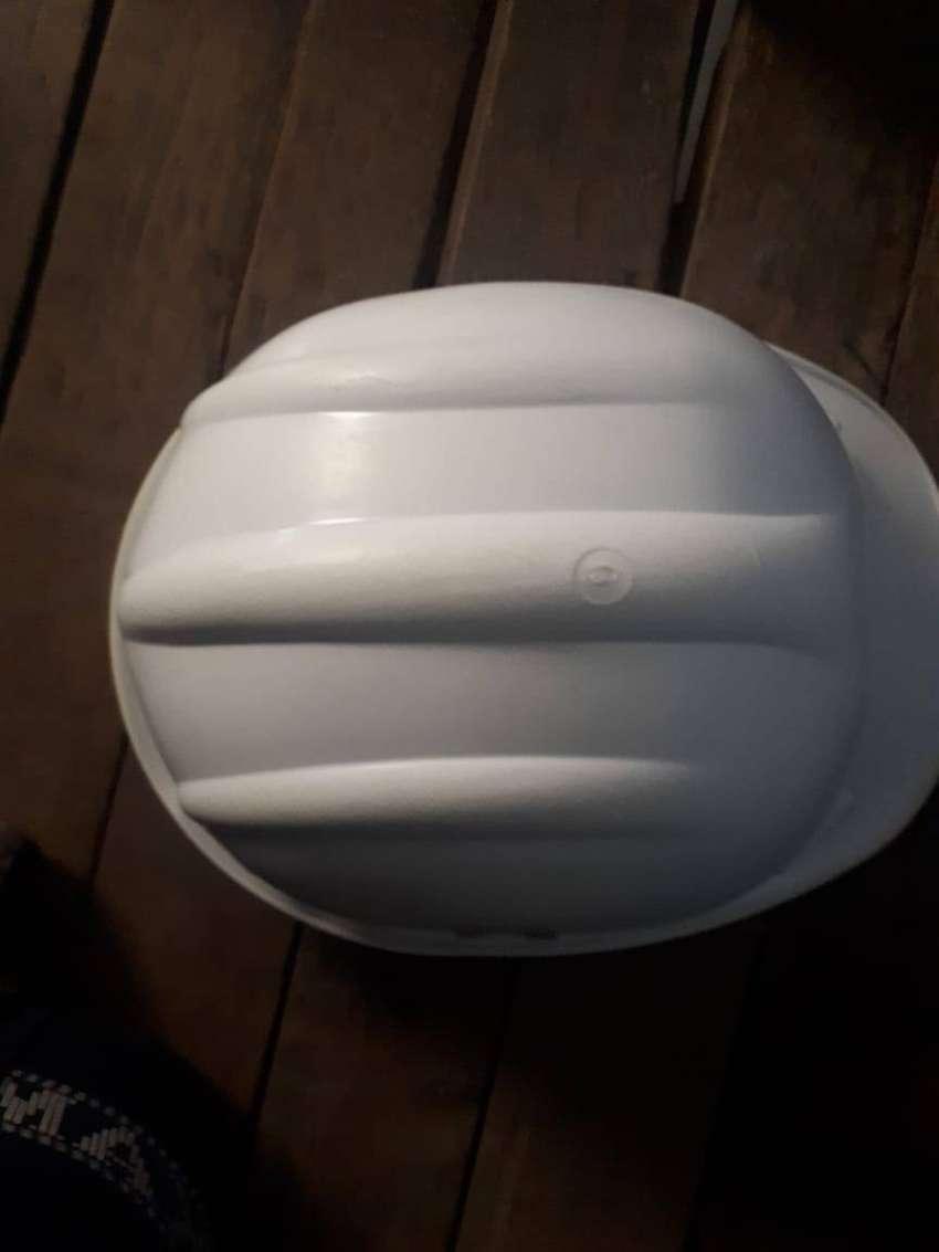 se vende casco de ingeniero
