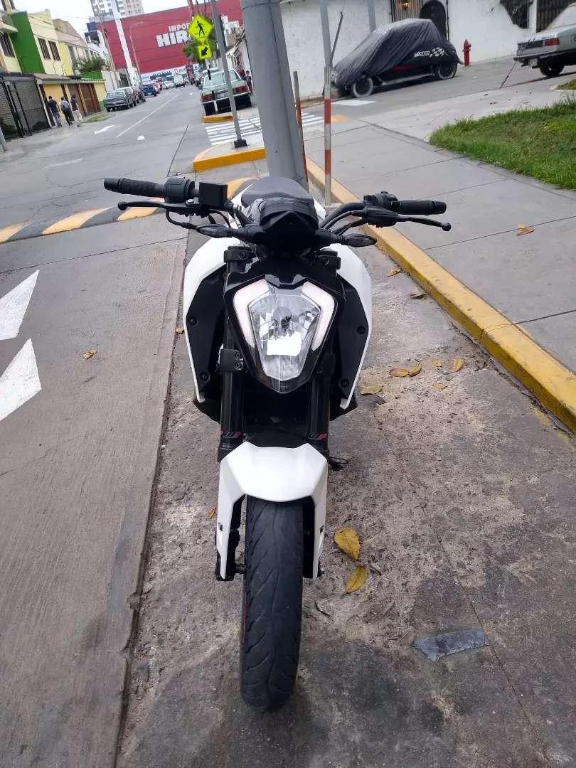 KTM Duke 250 , no pulsar 0