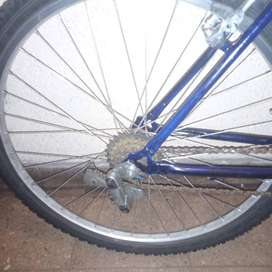 Bicicleta montaibike con cambios