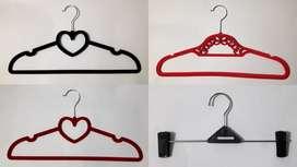 Gancho Colgador de ropa, de forma corazón y triangular