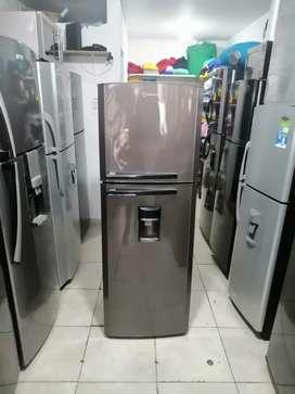 Bonitas neveras y lavadoras  de segunda,  Con garantía,  Transporte incluido dentro de Medellín.