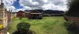 ¡SE VENDE! Hermosa casa-lote ubicada en Cajica.a.