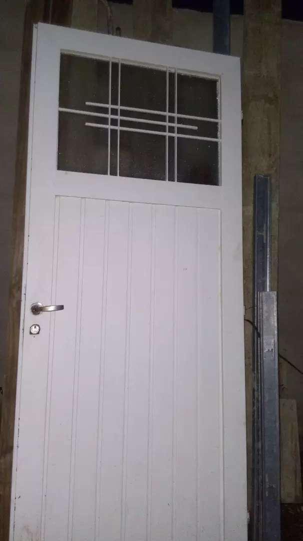 Vendo puerta exelente estado... 0