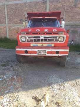 Volqueta ford 66