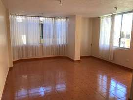 Arriendo Departamento Planta Baja Dos Dormitorios en Tumbaco