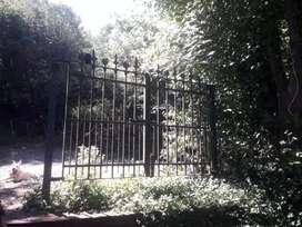 Portón de hierro fundido