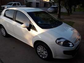 Fiat Punto 1.4 Attractive 2015 Pack Top