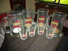 Juego de vaso jarra con copas