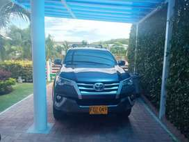 Toyota fortuner 2019 único dueño