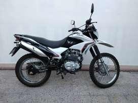 VENDO MOTO CORVEN 250 TRIAX R3 - 2016