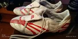 Guayos Adidas Traxion