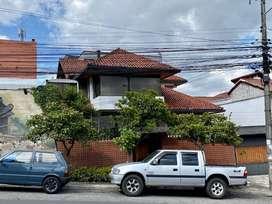 VeNdO estratégica propiedad en el sector de La Granja (a una cuadra del Hosp. Metropolitano)659