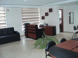 Oficina elegante, esquinera, amoblada, Ficoa-Ambato