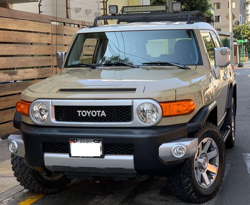 Toyota fj 2015 0