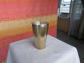 Vaso de bronce para decoracion