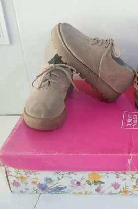 Zapatos Núm 31 impecable