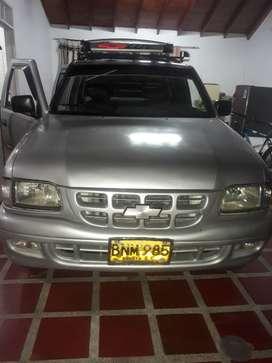 Se vende o se permuta luv 2800 turbo diesel por camioneta o carro de menor valor