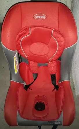 Vendo silla para el carros como nueva
