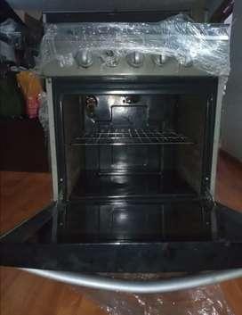 Estufa 4 hornillas + horno Mabe