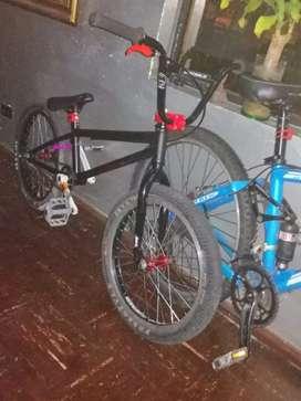 Se vende bicicleta BMX NEGOSIABLE