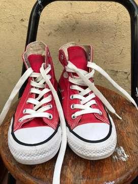 Converse de bota color rojo