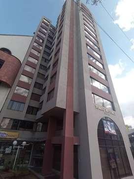 Alquiler de departamento de 4 dormitorios de 150m2 con acabados de primera en el edifico Beverly ,sector La Pradera