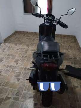 Vendo Moto AKT Dinámic 125 modelo 2015.