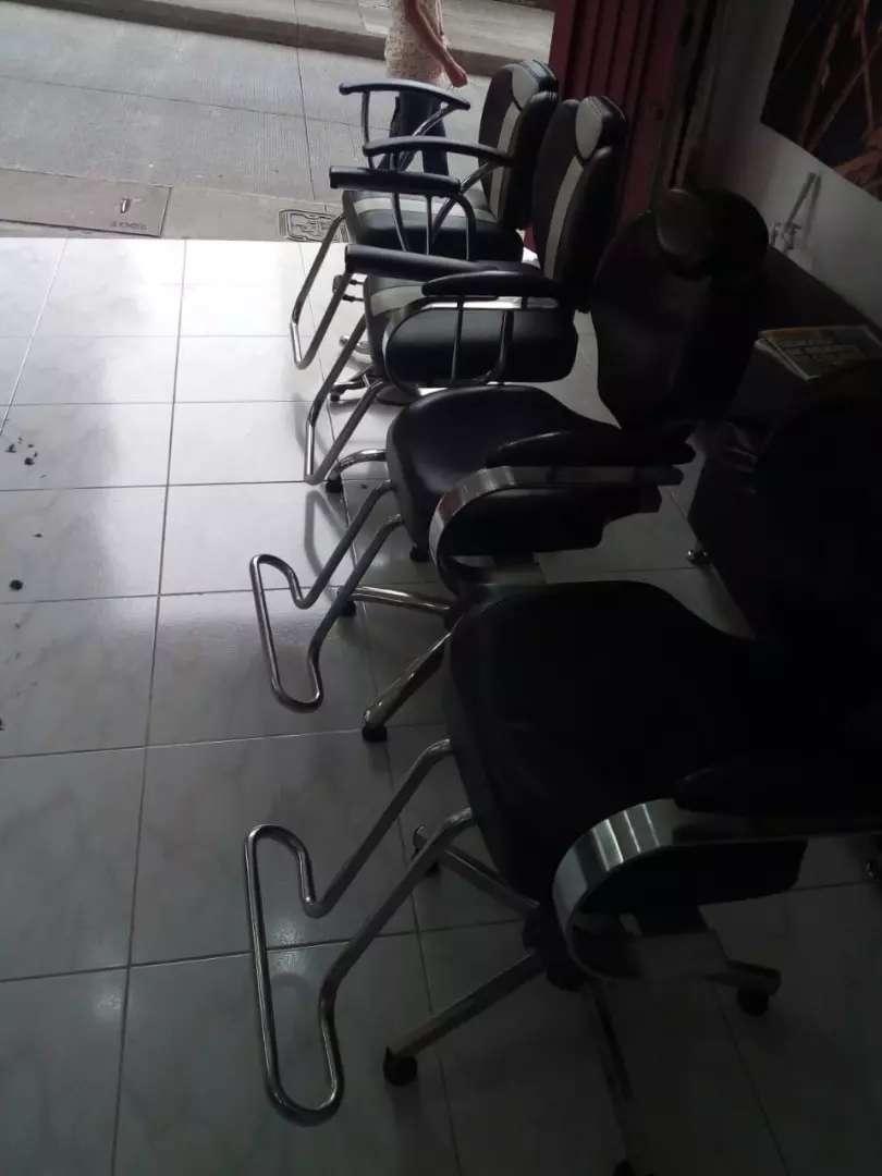 Sillas hidráulicas para peluqueria 0