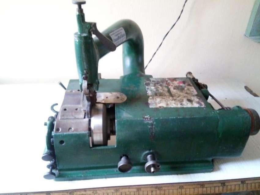 Maquina de rebajar cuero 0