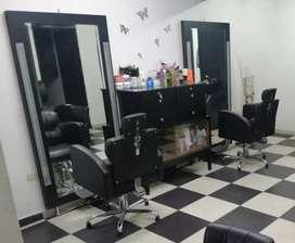 Montaje de peluqueria y bisutería