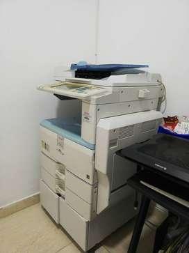 Vendo fotocopiadora Ricoh  2550 lista paractrabajar