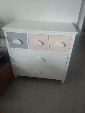 Mueble en poliuretano excelente estado hermoso excelente madera