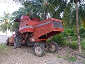 Vendo máquina cosechadora 3640 MF en buen estado operativa...